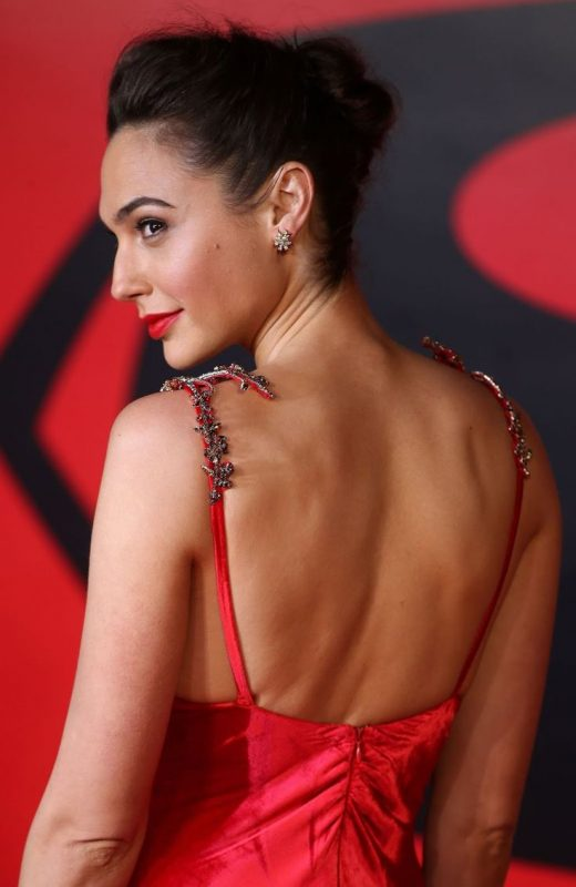 Gal Gadot Hot And Sexy Wide Screen Full HD Wallpapers – Top 10 Ranker