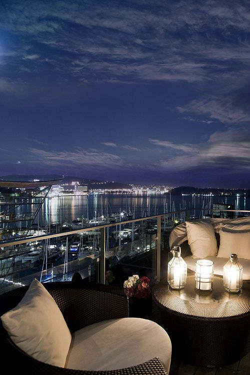 livingpursuit:  Fantastic view  Fashion, couture, interiors and everything your heart desires