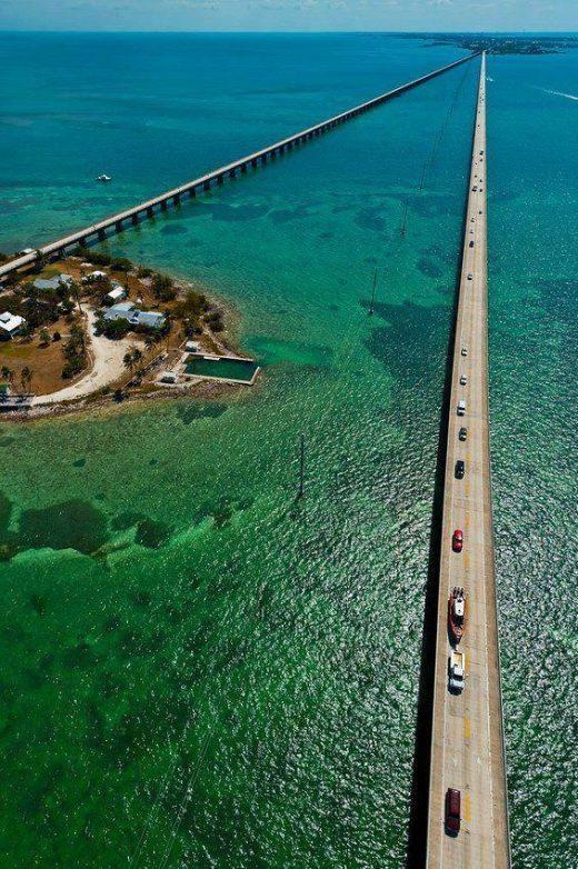 Beautiful and Amazing Places / Seven Mile Bridge, Florida Keys… Want to run it…