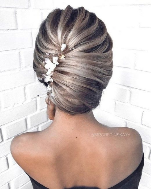 20 Long Wedding Hairstyles and Updos from mpobedinskaya