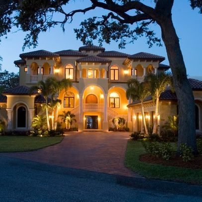 90 Mind-Blowing Mansions
