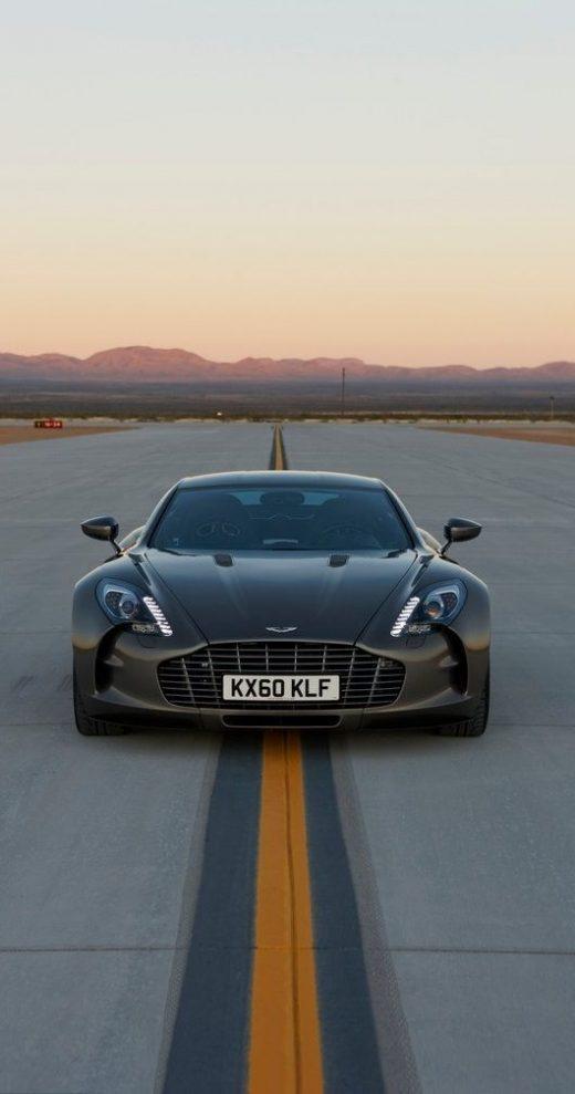 Best Dubai Luxury And Sports Cars In Dubai: Aston Martin One 77 tycker att den har så snygg, sportig design och när man v…