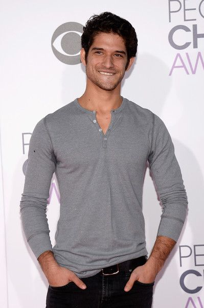Tyler Posey Photos Photos: People's Choice Awards 2016 – Arrivals