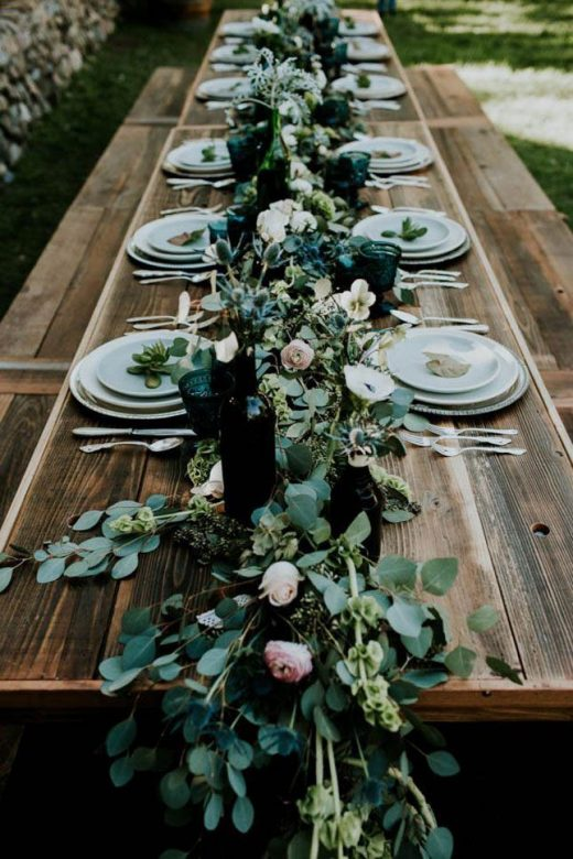 15 Gorgeous Pantone Wedding Ideas That Will Bring ALL the Greenery
