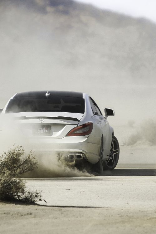 Mercedes – Hit the road!