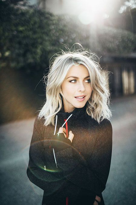 30 Pictures of Julianne Hough with Beautiful Short Hair