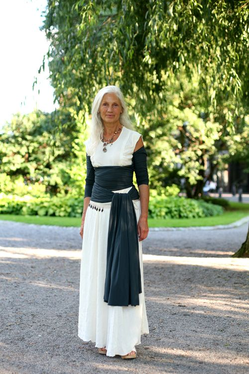 50 Stylish Outfits For Mothers Of The Bride/Groom