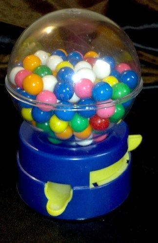 Got nostalgia? Awesome 1980s kids collectible! RARE VINTAGE 80s TOY GUMBALL VEND…