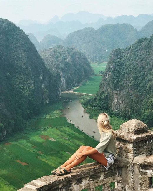 If you go to Vietnam you can expect amazing views like this with layers of mount…