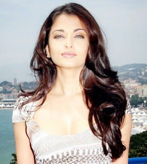Aishwarya Rai 30 Best Hot & Sexy Latest Photos