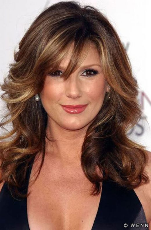 Stunning Females Above 40.  I love her hair shade.