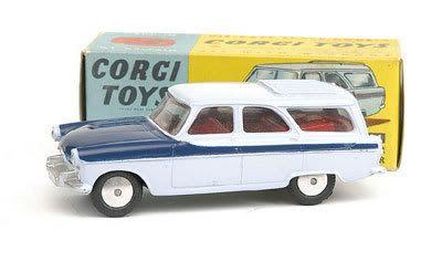 Mettoy Corgi diecast No.424 Ford Zephyr Estate Car 1961-65