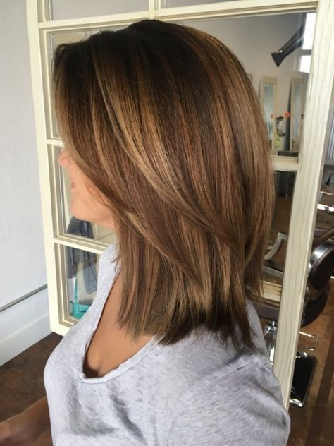 33+ Cute Medium Length Layered Hairstyles for Women in 2019