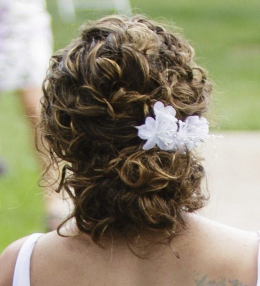 43 Beautiful Wedding Hairstyles Ideas For Curly Hair