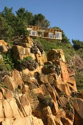 The PERFECT Clifftop Tiny House… Built for ONLY $15k!