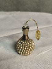 Plenty of Pearls Cream Miniature Perfume Bottle, Miniature Perfume Bottle, Dollhouse Miniature, Miniature Decoration, Miniature Display