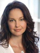 Ashley Judd could pass for Lynda Turner in the Mended Hearts series, ebook 3, Jil…