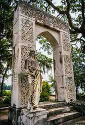 Bonaventure Cemetery At first this may not seem like the ideal picture taking sp…