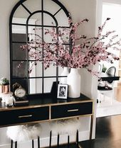 Glam Luxe Entree Modern Home Decor Glamorous luxury style – but with Callilys …