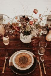 This SKYLIGHT Denver Wedding Inspiration is a Dream if You Love Dried Flowers, Warm Tones, and Cozy Vibes | Junebug Weddings