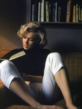 Marilyn Monroe Looking at at Property High quality Photographic Print by Alfred Eisenstaedt at AllPosters.com