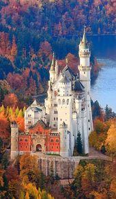 Top travel destinations in europe – Neuschwanstein Castle in Allgau, Bavaria, Ge…