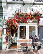 Vibrant-Entrance-Doors-Images-London-Bella-Foxwell