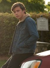 """How """"Love, Simon"""" Helped Nick Robinson Talk To His Brother About Coming Out"""