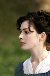 Anne Hathaway occupation in pics