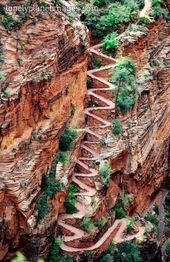 Walters Wiggles–the hikers path up to Angels Landing in Zion National Park, Uta…
