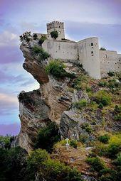 Roccascalegna castle – Abruzzo, Italy